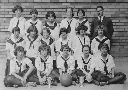 Girls-Basketball-Team_sml